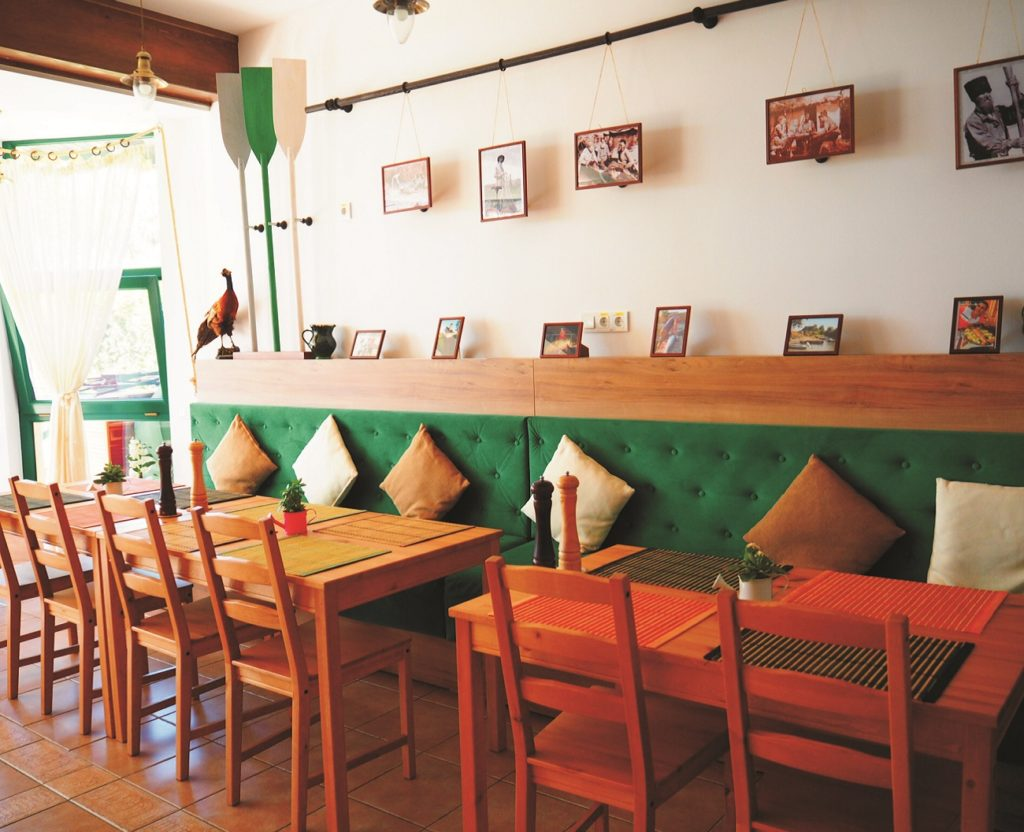 Iara Guesthouse Restaurant