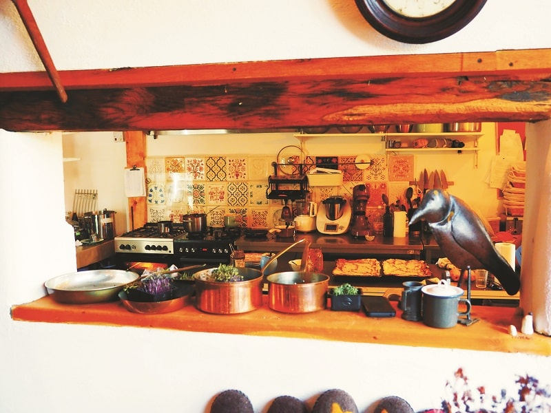 Viscri 32 kitchen