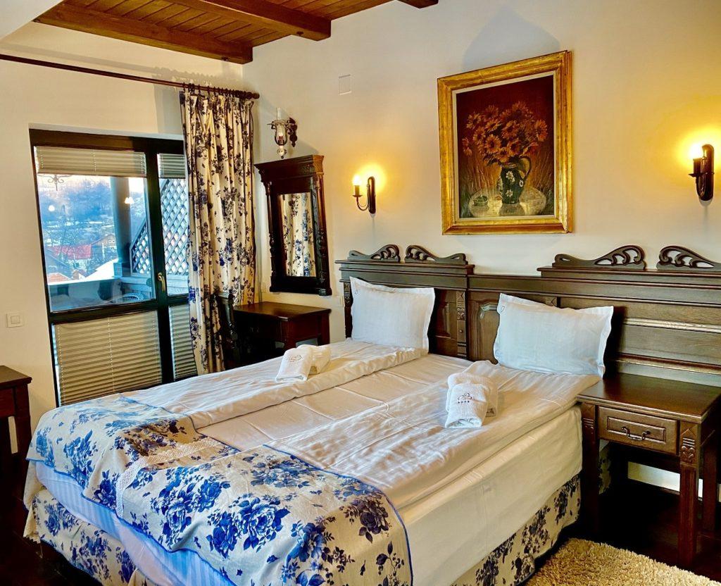 Conacul Bratescu Room