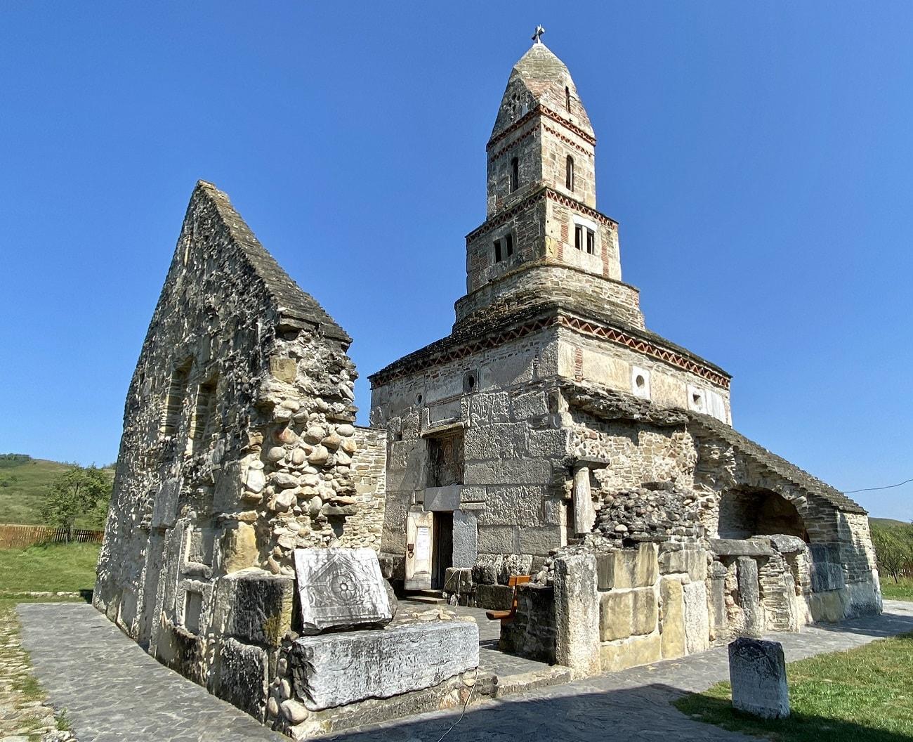 Densus biserica fortificata